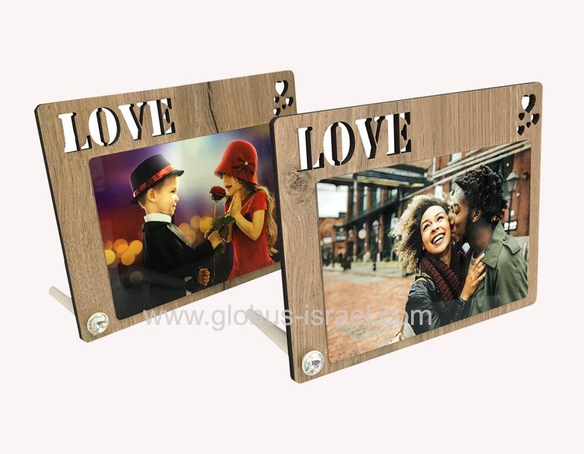 מסגרת LOVE שולחנית