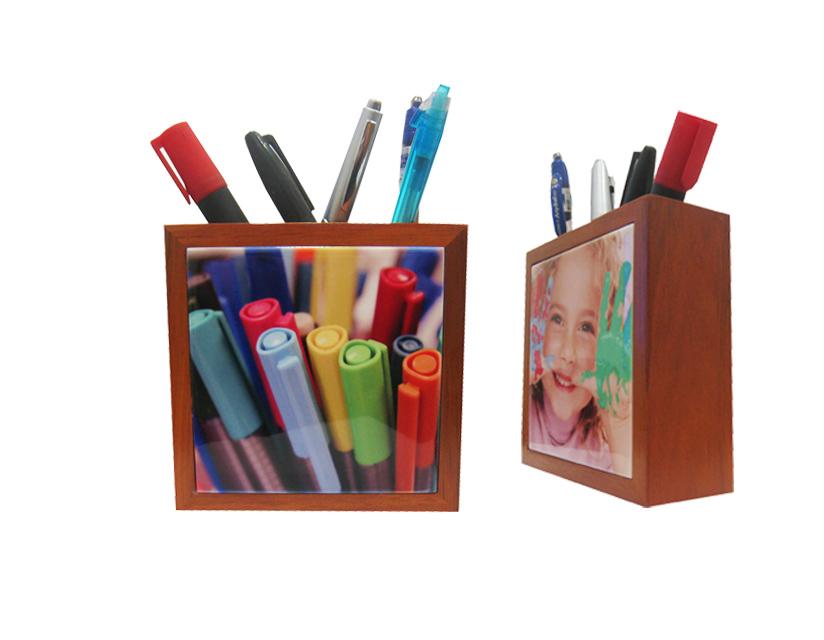 מעמד מעץ לעטים/עפרונות